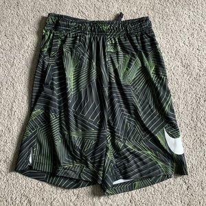 Medium Nike DRI-FIT shorts